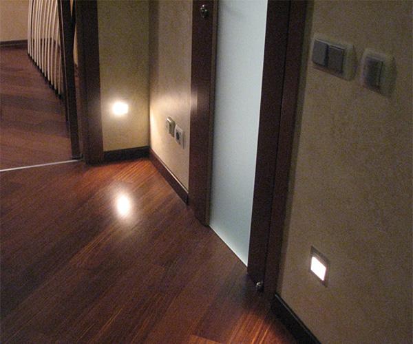 светильники для подсветки пола в коридоре первым сетевых каналов