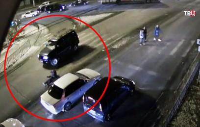 В Чите водитель сбил мужчину, а очевидцы уехали с места ДТП