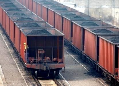 Киев принял решение о конфискации угля из Донбасса в истерике