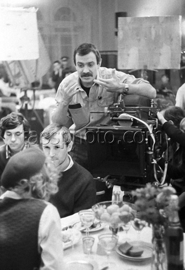 «Михалков и Станислав Любшин на съемках фильма «Пять вечеров», 1978 год. история, редкое, фото