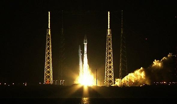 США успешно запустили наорбиту новый разведывательный спутник