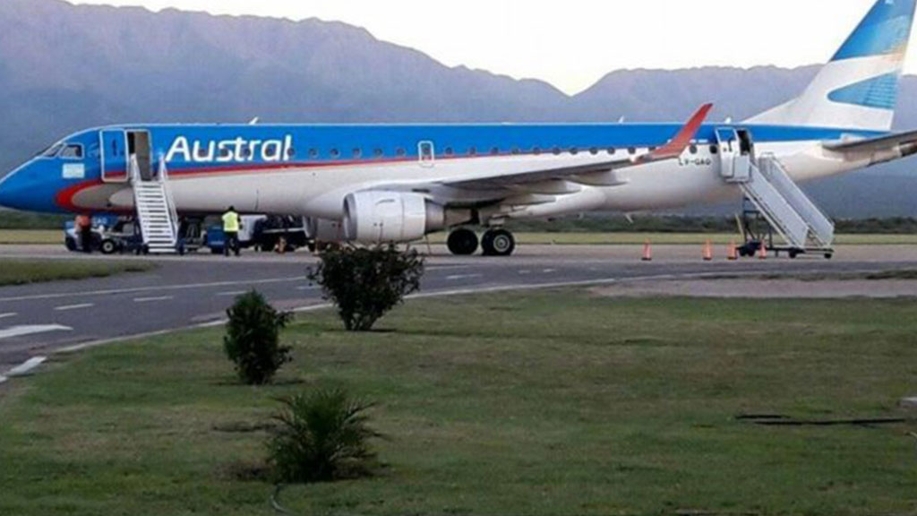 Самолет в Аргентине не мог приземлиться из-за уснувших диспетчеров