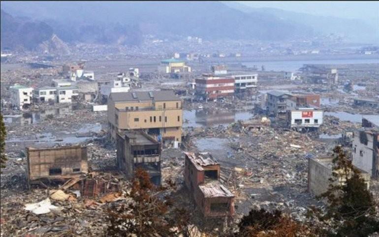 Землетрясение Тохуку 2011 года и цунами вода, интересное, познавательное