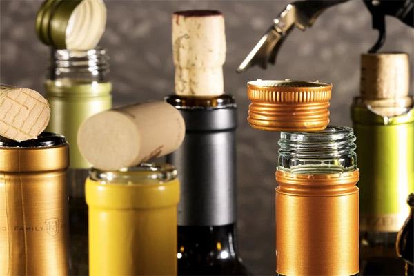 Корковые пробки против винтовых: какое же вино вкуснее?