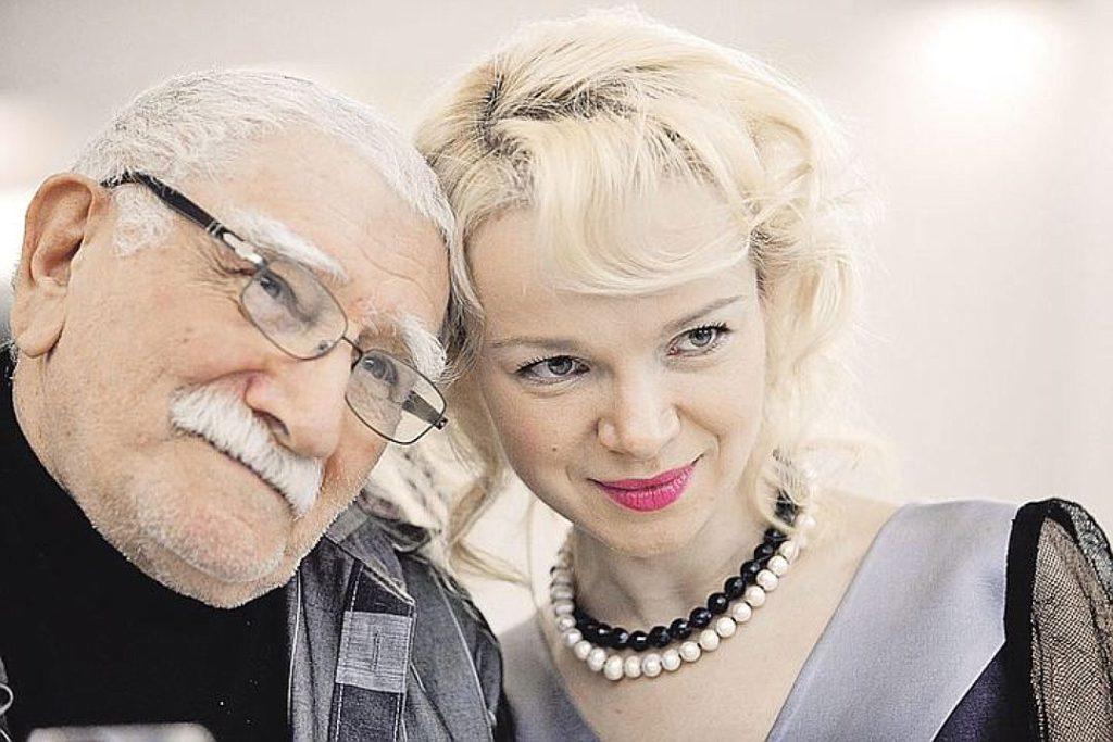 Армен Джигарханян разводится с молодой женой