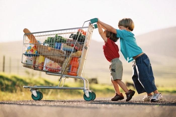 Опасности «магазинных» сладостей: как защитить ребенка
