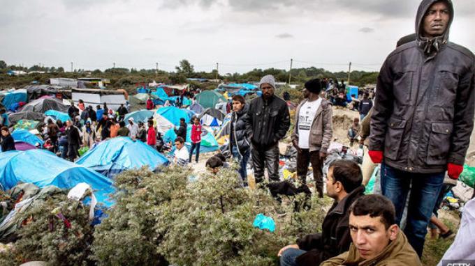 Беженцы не смогут попасть в Великобританию из-за стены