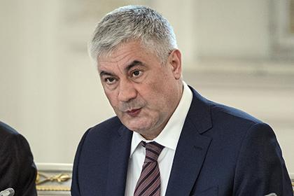 Глава МВД обсудил вопросы миграции с послом Азербайджана