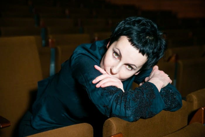 Актриса, телеведущая, режиссер, театральный деятель Ирина Апексимова | Фото: fashiontime.ru