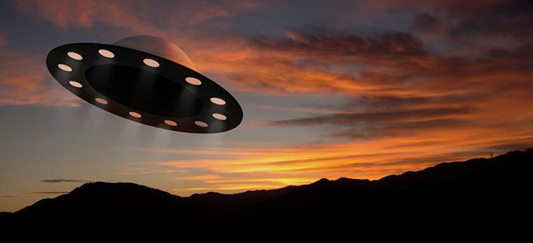 В новых раскрытых документах описано как разведывательный самолет встречался с НЛО над Средиземным морем