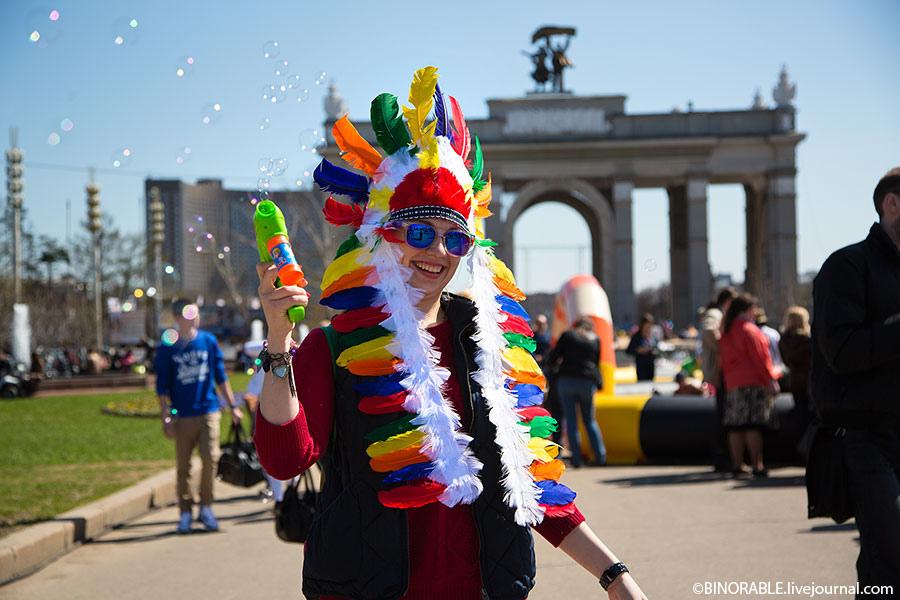 Парад-карнавал мыльных пузырей Dreamflash на ВДНХ в Москве