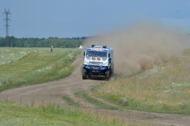 Экипаж Николаева стал первым в 10-м этапе ралли «Шелковый путь»