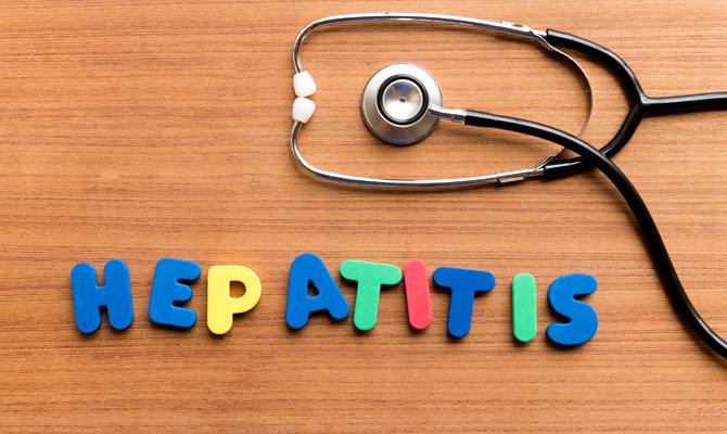 Гепатит поражает печень