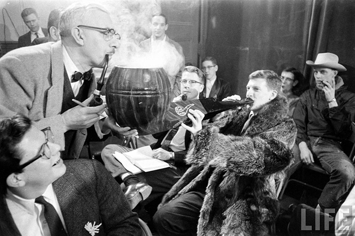 Дым коромыслом: как проходили соревнования по курению в США 50-х годов