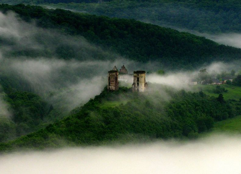 Червоноградский замок в Ныркове
