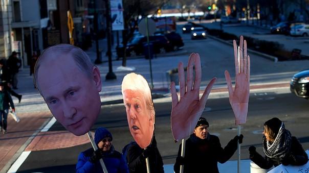 «Осьминог Путина» и пульт от северного сияния: как западные СМИ пугали читателей Россией
