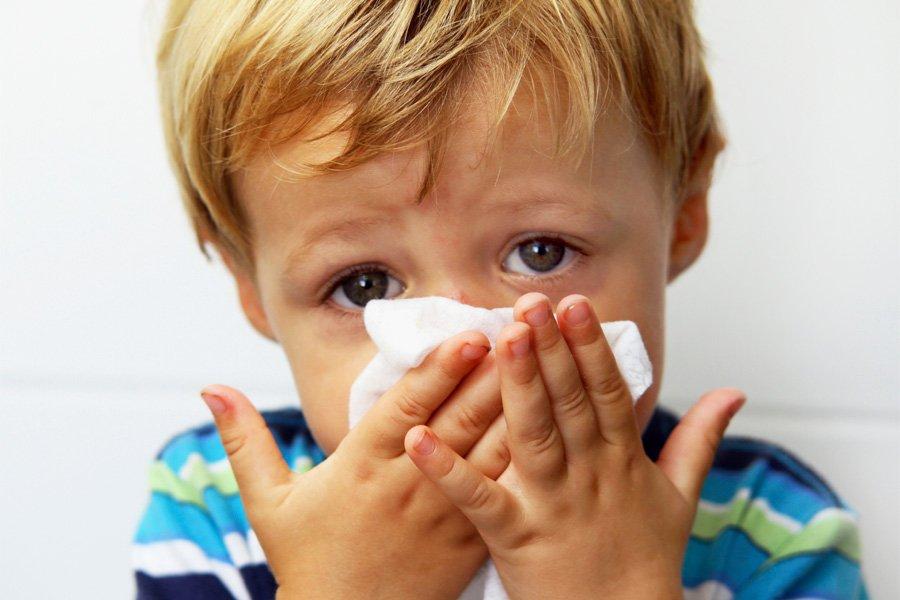 8 самых распространенных ошибок при лечении насморка!