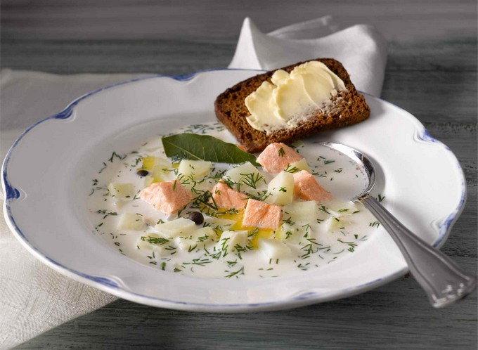 Суп с лососем и зеленью