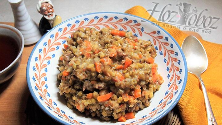 Готовность блюда определяем по готовности риса. Машкичири выкладываем порционно в миски. Приятного аппетита!