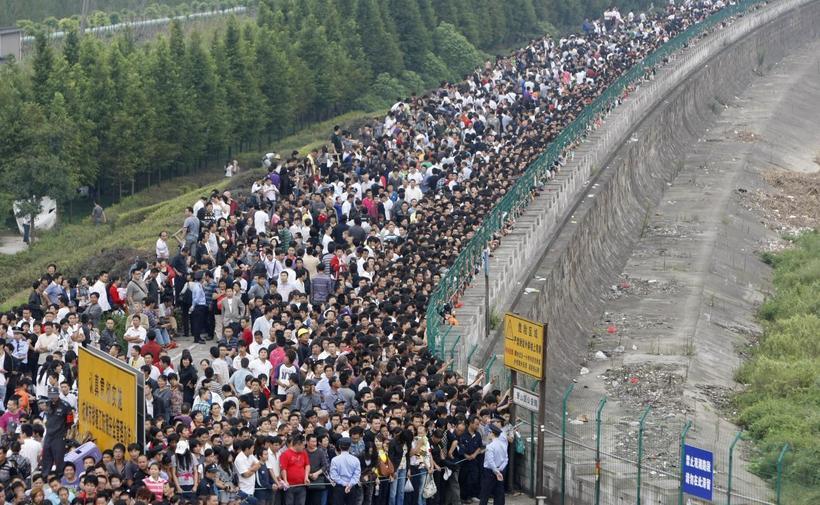 22 невероятные фотографии, которые показывают, как много людей живет в Китае