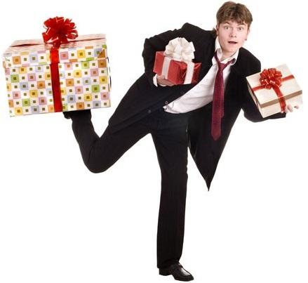 Выбираем подарок девушке на 8 Марта