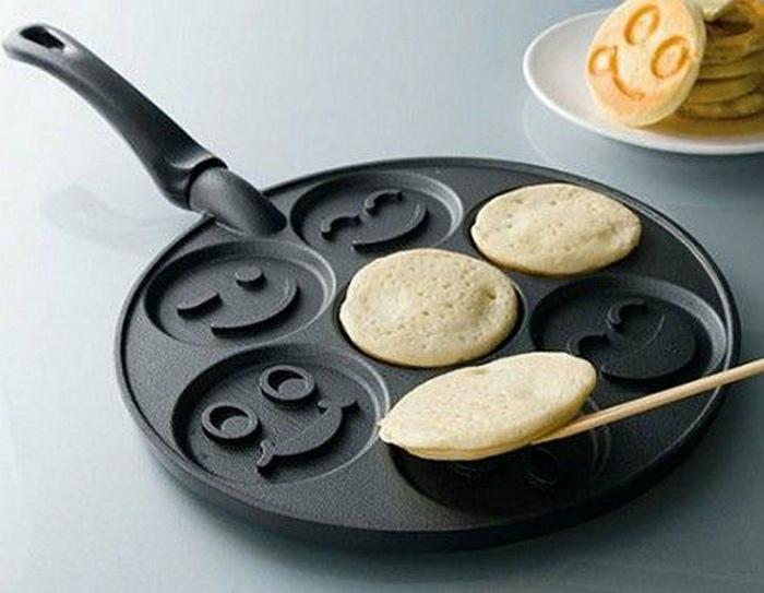 Сковородка для «веселых» оладий. | Фото: Animi Causa.