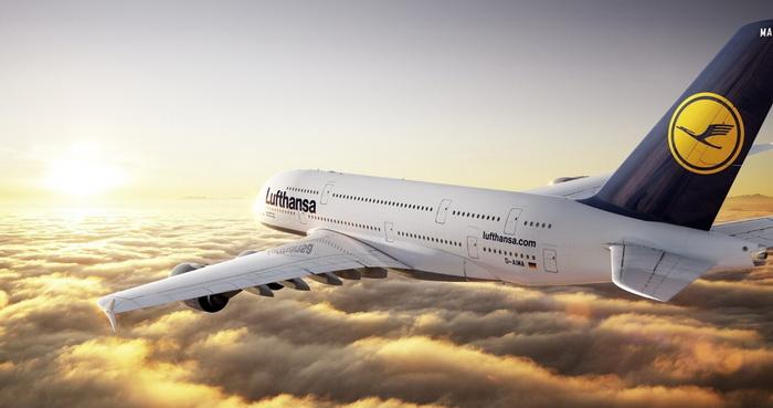 Призраки на облаках напугали пассажиров самолета