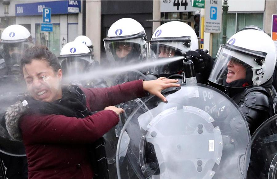 О прямой инъекции европейской демократии