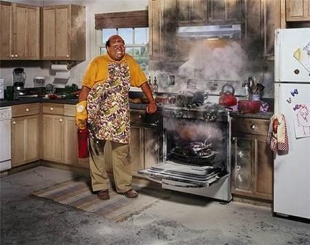 Найден до смешного простой способ очистить духовку до блеска