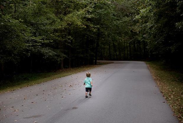 Что делать, если ребенок потерялся или пропал? Как выжить в лесу?