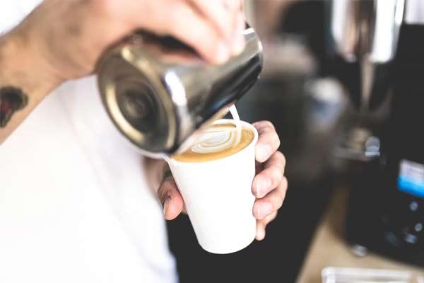 Как приготовить кофе с молоком