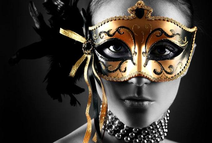 Какое истинное лицо скрывает женщина под маской знака зодиака