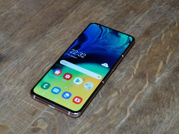 Samsung представил смартфон-…