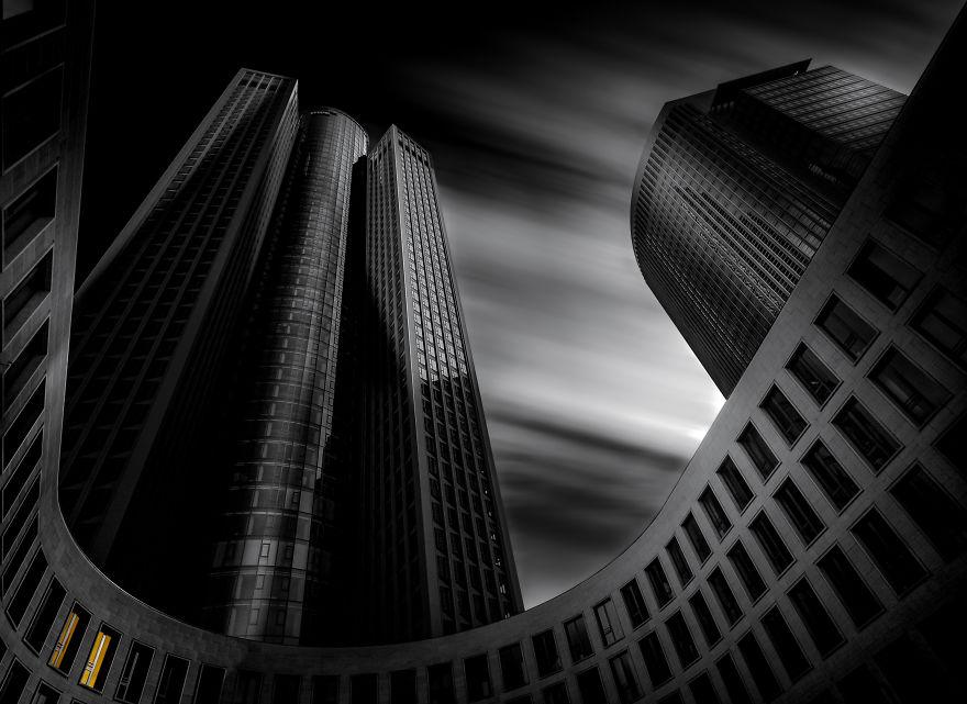 Фотограф колесит по миру в поисках красивой архитектуры