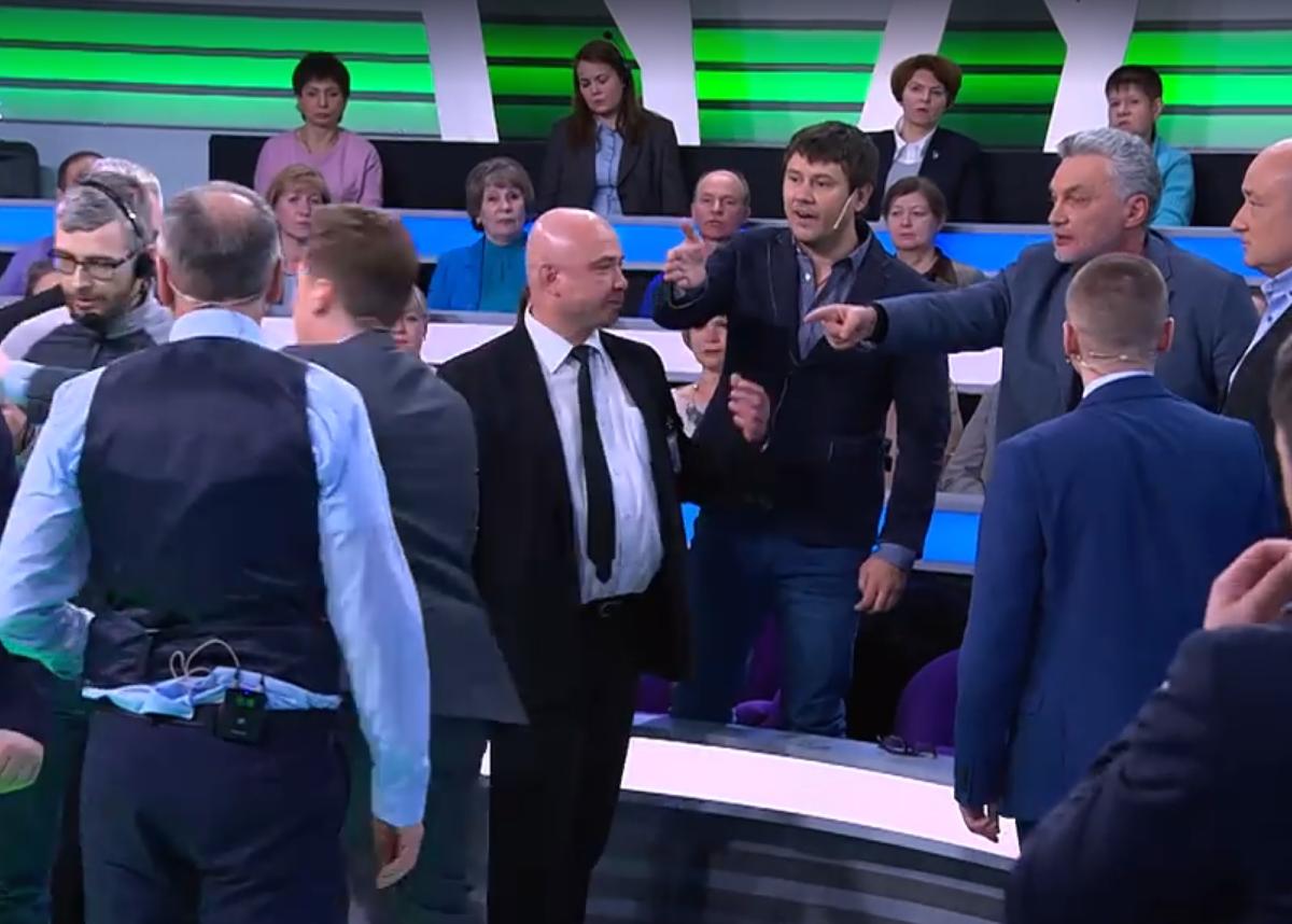 После фашистского приветствия в эфире НТВ началась потасовка