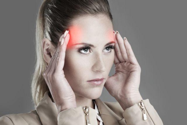 Мигрень и гормоны. Что поможет женщинам избавиться от головной боли