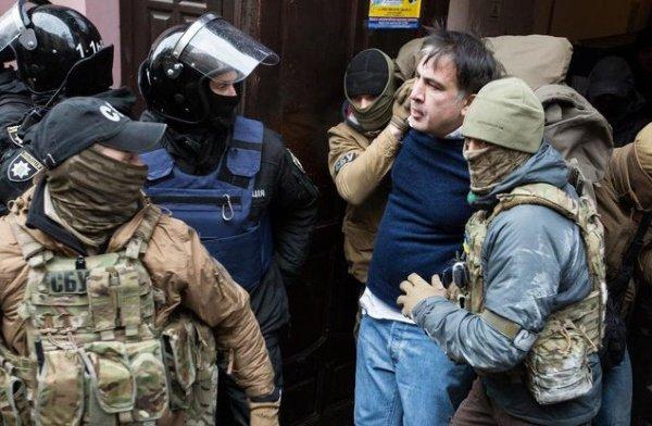Саакашвили опять удалось уйти от украинской нацполиции