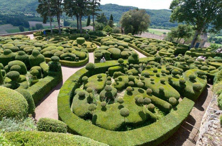 Странные и необычные туристические достопримечательности Франции