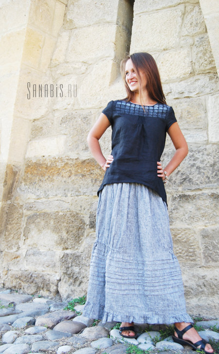 Комплект в тёмно-синих тонах (туника и юбка из льна)