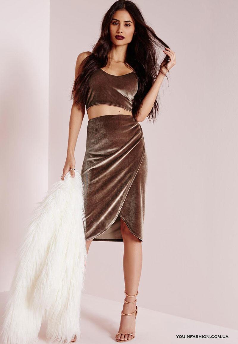 С чем носить бархатную юбку: стильные повседневные и вечерние образы