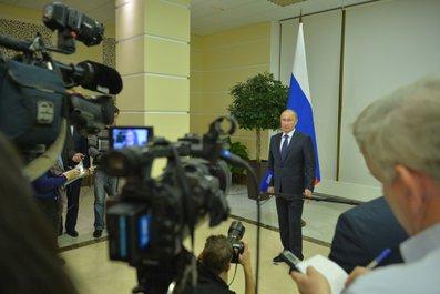В.Путин ответил на вопросы журналистов по завершении встречи с Президентом Франции Ф.Олландом