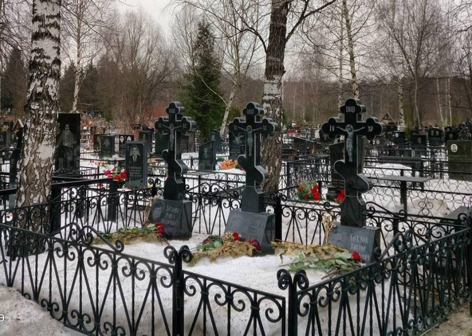 Запретить эмигрантам похороны в России