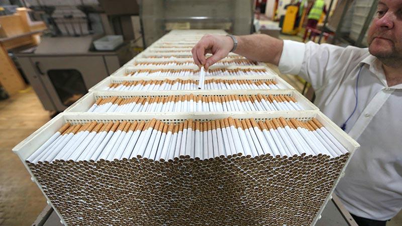 И они еще подняли акцизы: Нелегальный рынок сигарет вырос в пять раз за один год