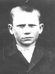 Звери - фашисты остолбенели - из окопа поднялся последний из живых маленький мальчик с гранатами...