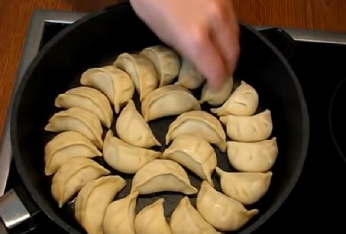 китайские пельмени со свининой и креветками