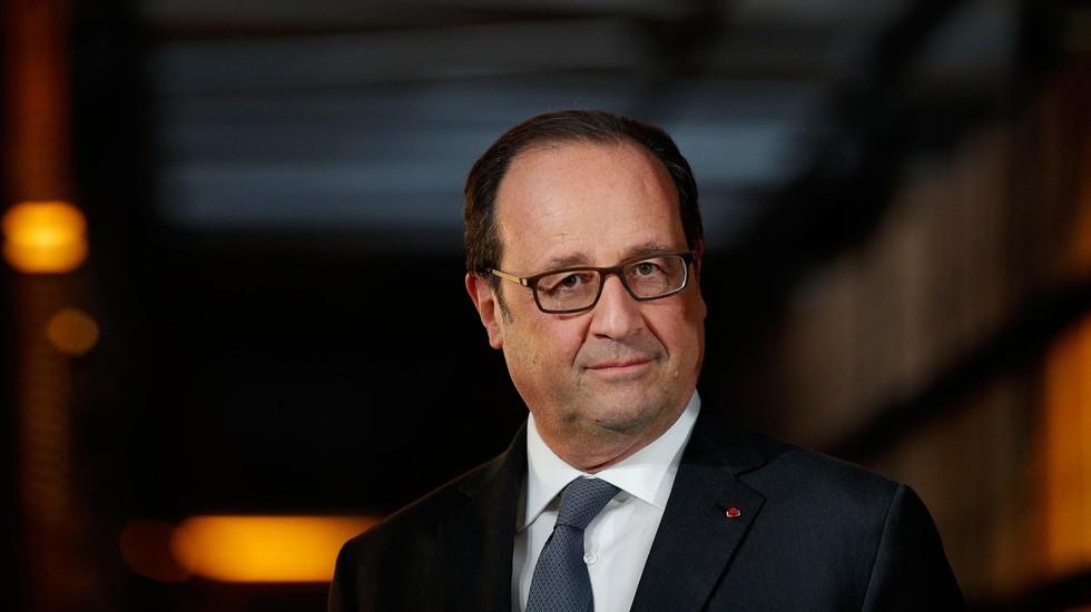ДАЖЕ ОБИДНО ЗА ФРАНЦУЗОВ: Как президенту Франции публично отвесили звонкий подзатыльник