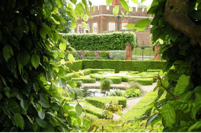 11 идей для сада в королевском стиле