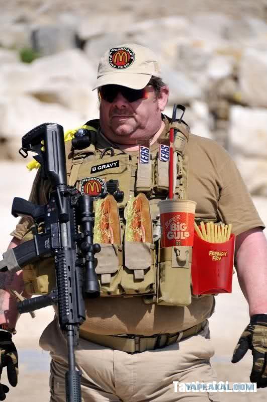 У солдат НАТО украли винтовки во время обеда в McDonald's
