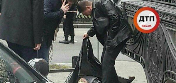 Концы в воду: в реанимации умер задержанный убийца Вороненкова
