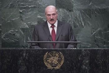Лукашенко обвинил американские фонды в спонсировании «картофельной революции»